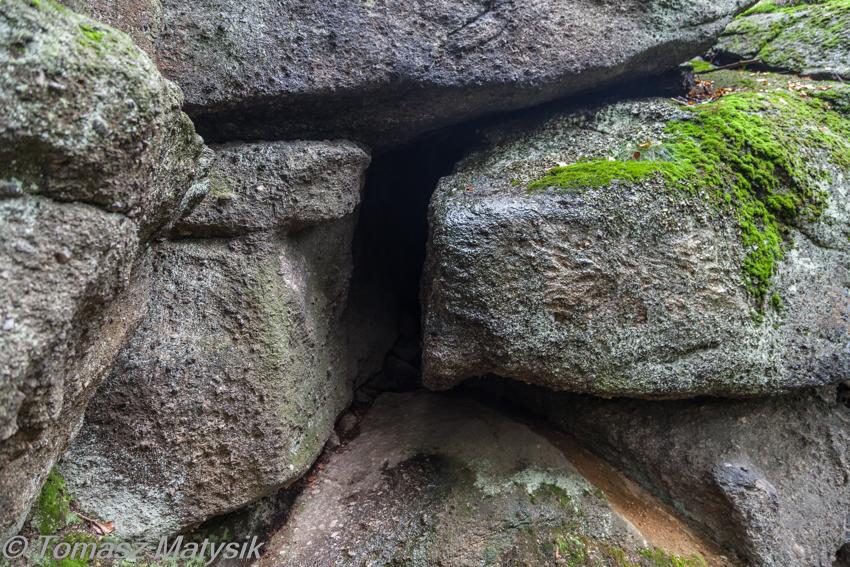 Jaskinia Dziurawy Kamień